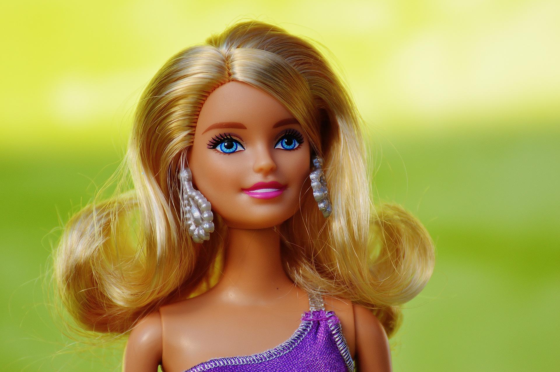 mujeres en lucha, feminismo, barbie, netflix, juguetes, regalos, género